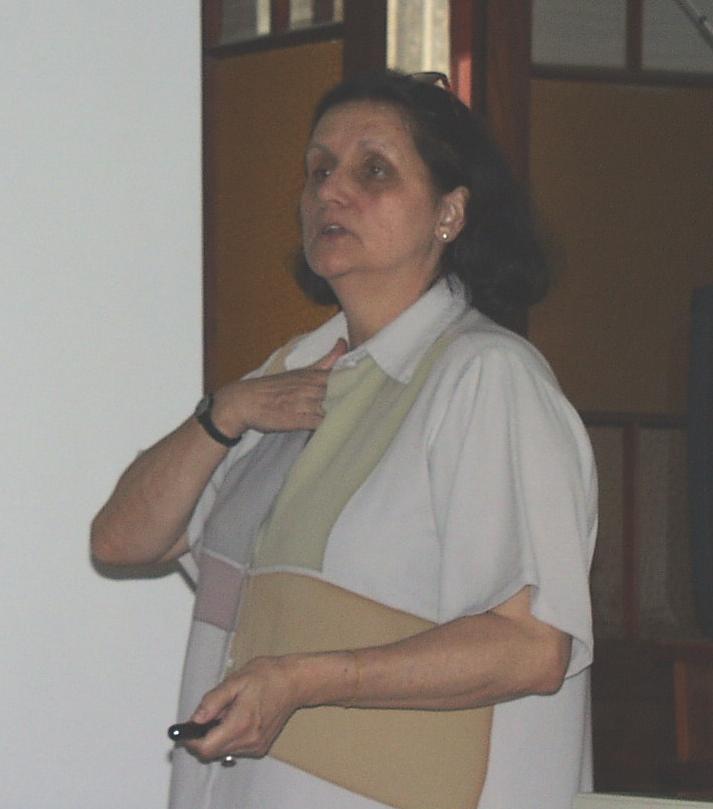 Matilde Achaval falando na 1a Oficina de Neurociências do P.P.G. Neurociências da UFRGS (6 de dezembro de 2000, Hotel Mosteiro em Garibaldi, RS)